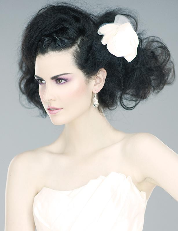 Customized makeup and hair services by top Toronto makeup